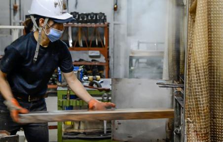 木材を蒸煮する