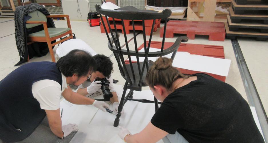 ヴィクトリア&アルバート博物館にてオリジナルの寸法を実測